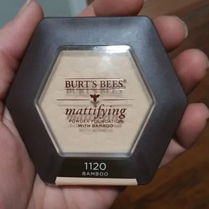 Bamboo - burts mattifying foundation